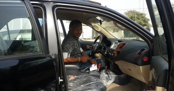 Pastor Chris Oyakhilome Gives Singer - 50.9KB