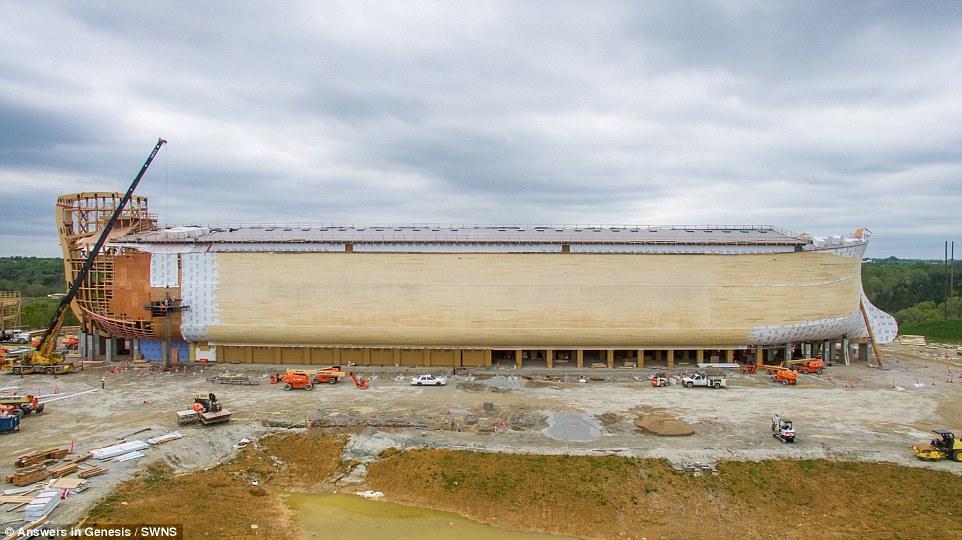... : Man Builds $100m Replica Of Noah's Ark In Kentucky - SelahAfrik