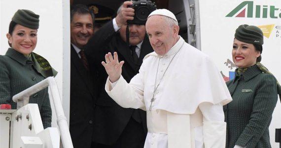Despite Recent Bombings, Pope Francis Arrives Egypt On Historic 27-hour Visit